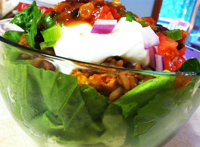 healthy quick and easy taco salad for only 300 calories