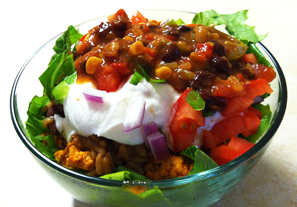 delicious healthy taco salad. easy healthy dinner idea!