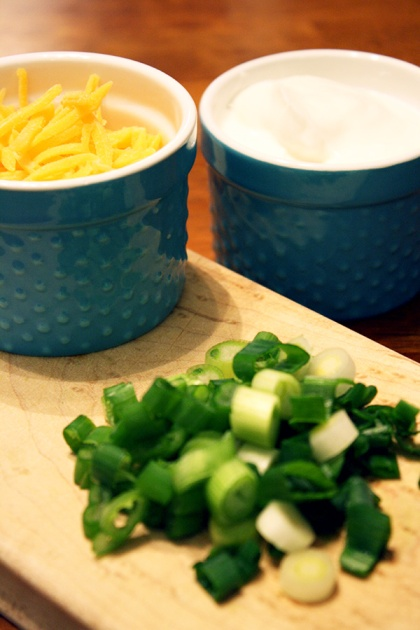 healthy chili toppings: plain greek yogurt, low fat shredded cheese, green onion